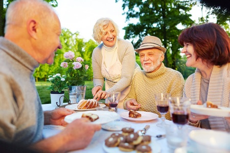 How to Make New Friends in Retirement Years