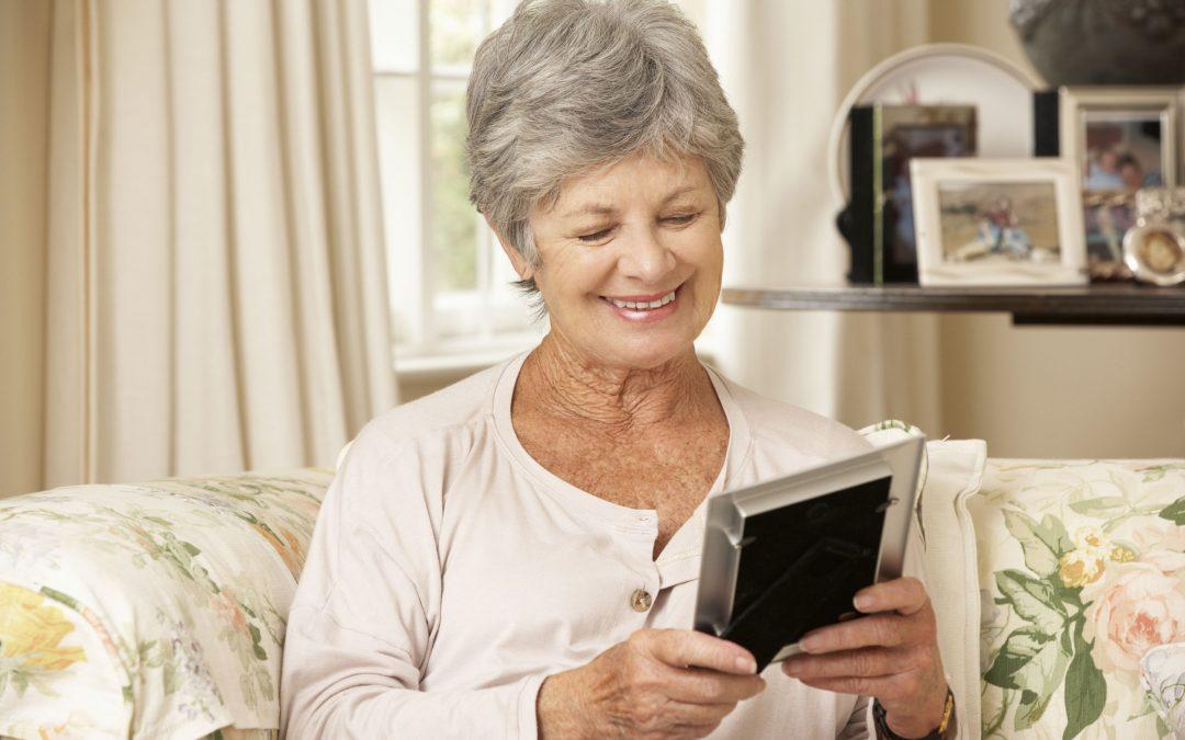 Seniors With Alzheimer's Communicate Through Storytelling